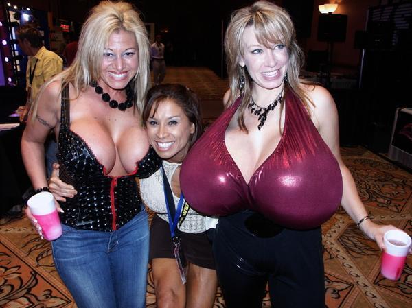 Лучшая грудь в мире фото